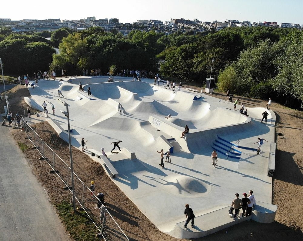 Newquay Concrete Waves Skatepark, Cornwall