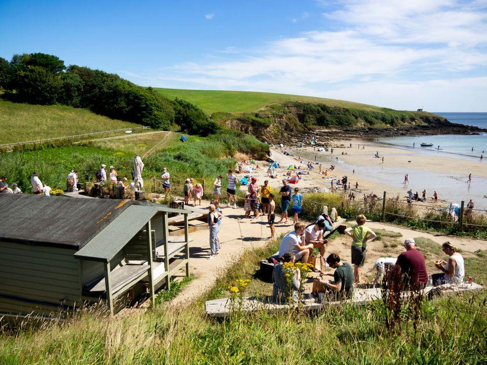 Cornwall Beaches: Porthcurnick Beach